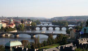 プラハの橋 (Wikipedia)